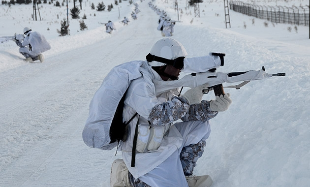 Komandolar zorlu kış eğitimini başarıyla tamamladı 5