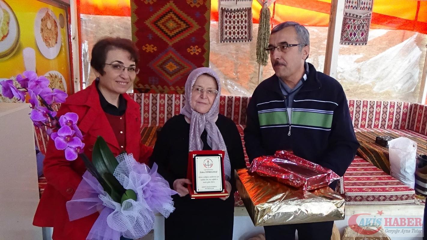 Zehra öğretmenin öğrencilerinden 41 yıllık vefa 3