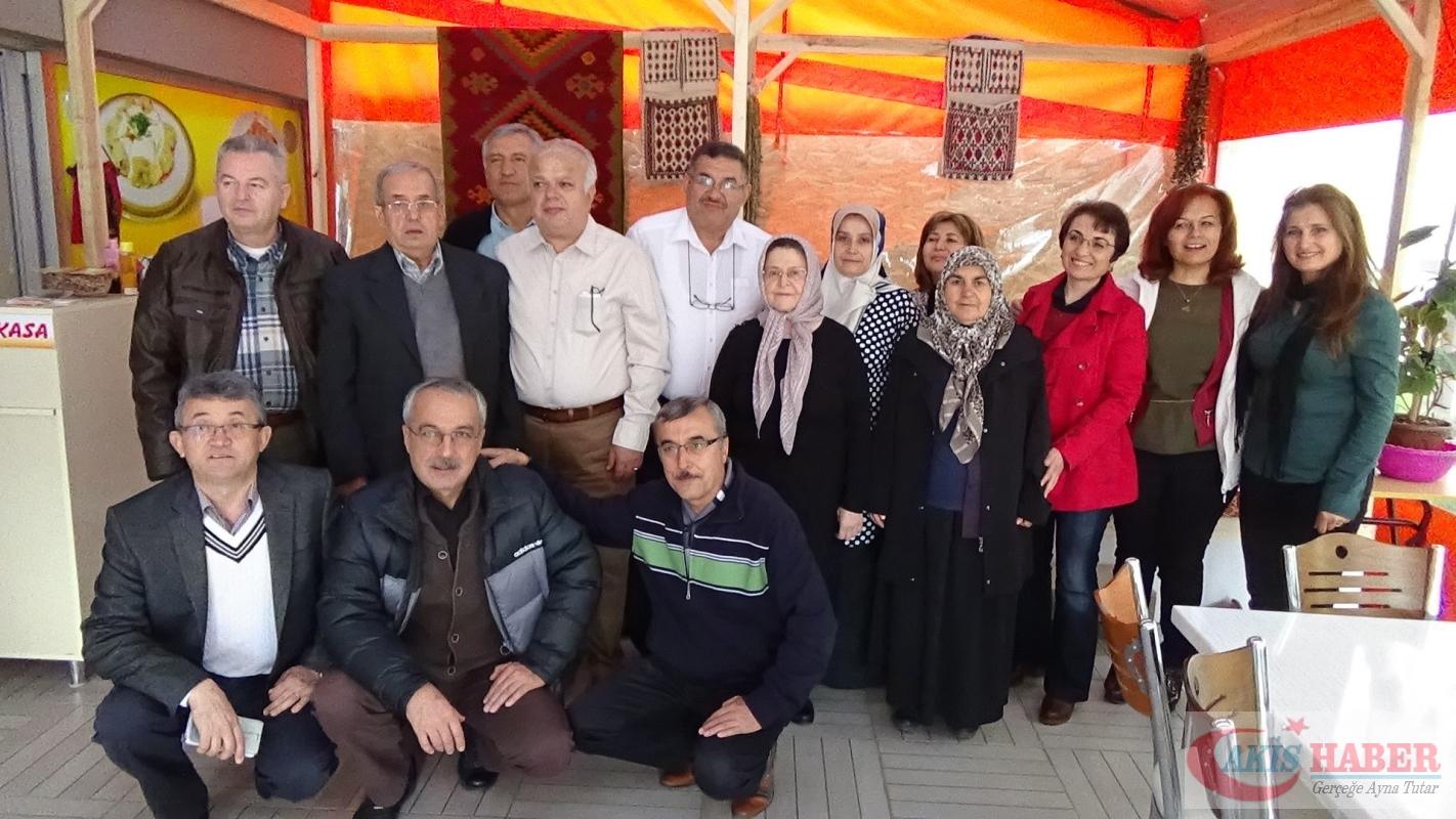 Zehra öğretmenin öğrencilerinden 41 yıllık vefa 4