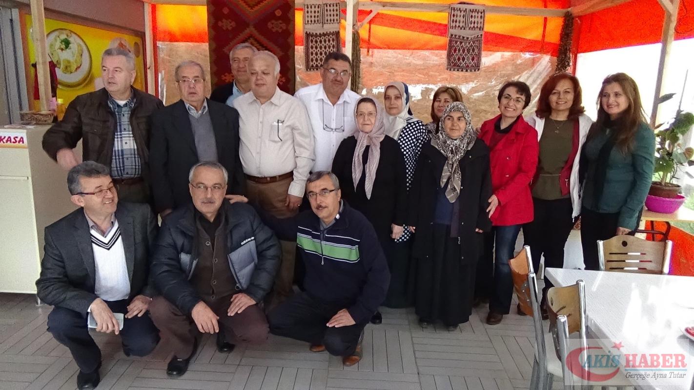 Zehra öğretmenin öğrencilerinden 41 yıllık vefa 5