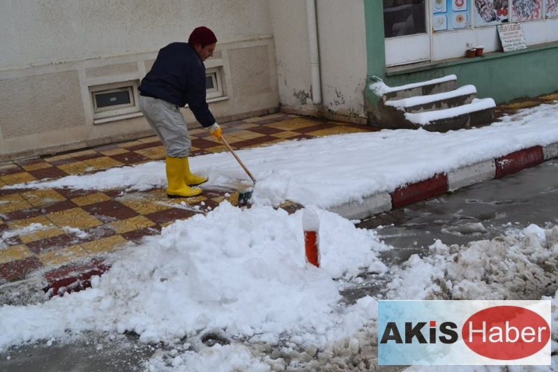 Dazkırı'da Kar Manzaraları 6