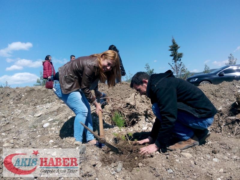 Başbuğ Türkeş Ormanına 300 Fidan Dikildi 31
