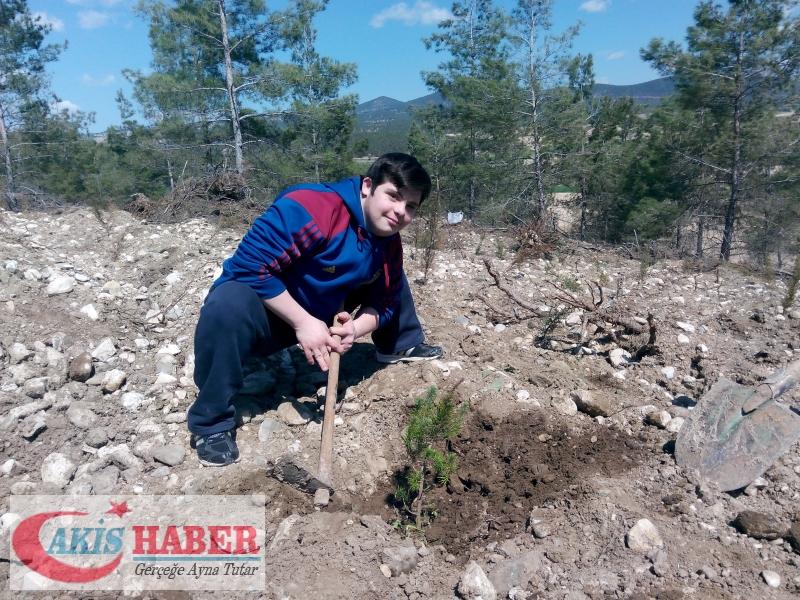 Başbuğ Türkeş Ormanına 300 Fidan Dikildi 6