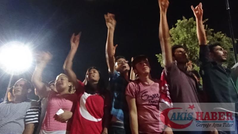 Teröre Protestoda Denizli'de Gergin Gece 1