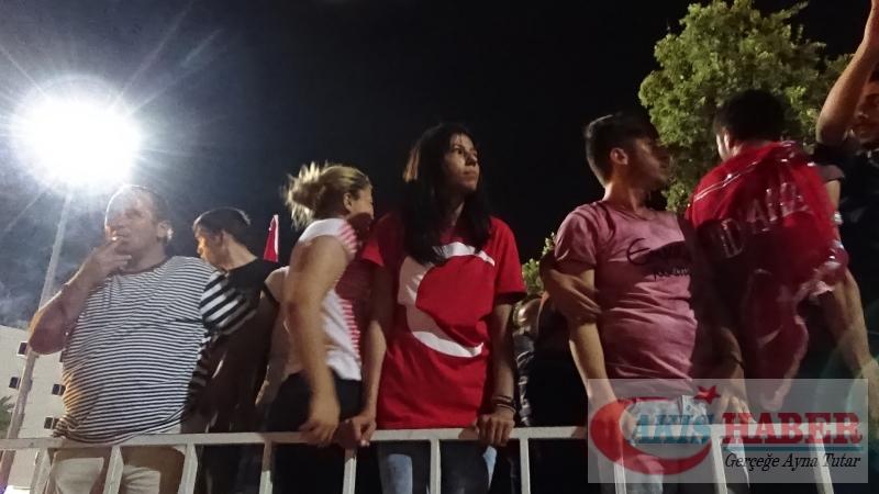 Teröre Protestoda Denizli'de Gergin Gece 12