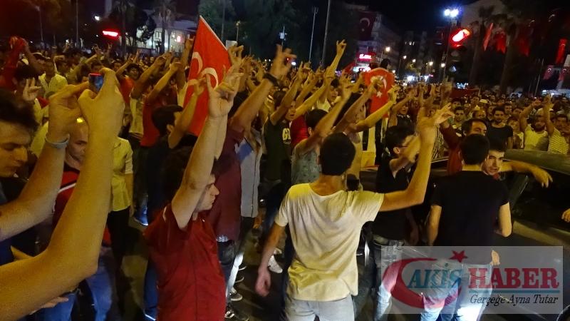 Teröre Protestoda Denizli'de Gergin Gece 16