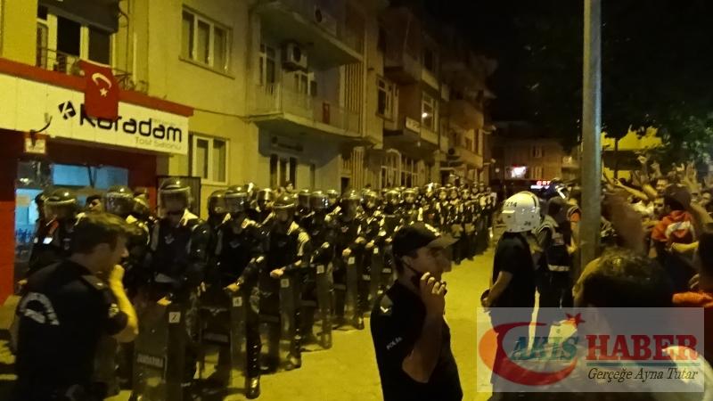 Teröre Protestoda Denizli'de Gergin Gece 31