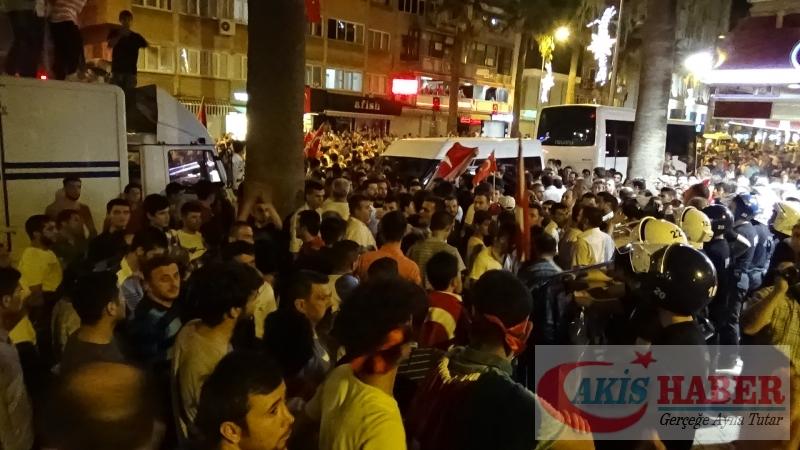 Teröre Protestoda Denizli'de Gergin Gece 43