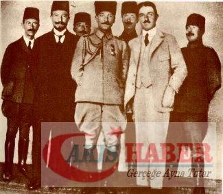 Atatürk'ün savaş zamanındaki resimleri 15