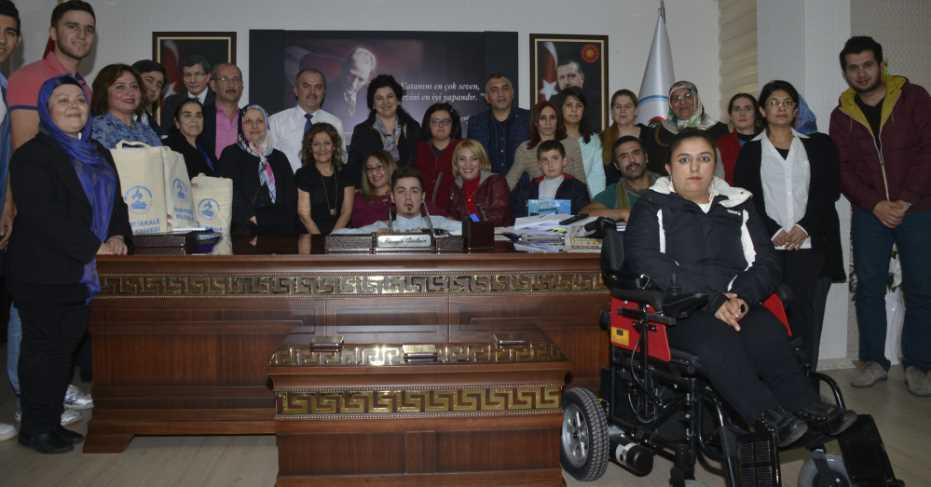 Engellilerden Başkan Gürlesin'e Ziyaret