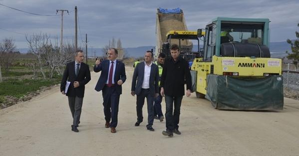 Pamukkale Belediyesi Korucuk Mahallesini Asfaltlıyor