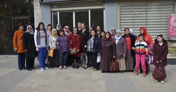 Pamukkale Belediyesi Kadınlara En Güzel Hediyeyi Verdi