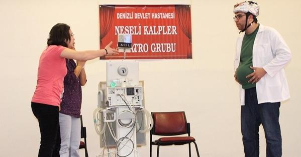 Denizli'de Sağlıkçılar Tıp Haftasını Eğlenerek Kutladı