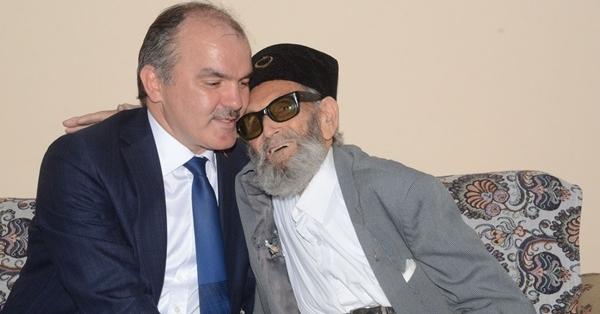 Başkan Gürlesin'in 'Yaşlılara Saygı Haftası' Mesajı