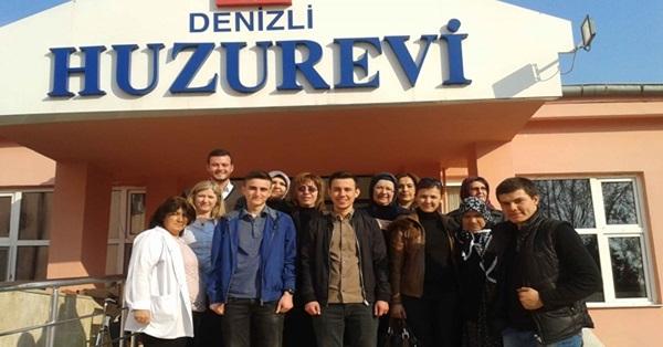 AK Parti Ana Kademe Kadın ve Gençlik Kollarının Huzurevi Ziyareti