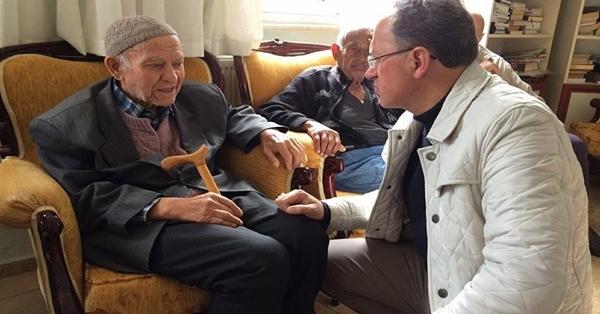 Başkan Akyol'dan Yaşlılara Anlamlı Ziyaret