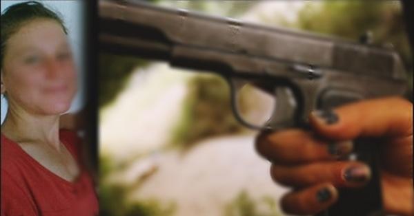 Çal'da Genç Kız Kendini Vurdu!