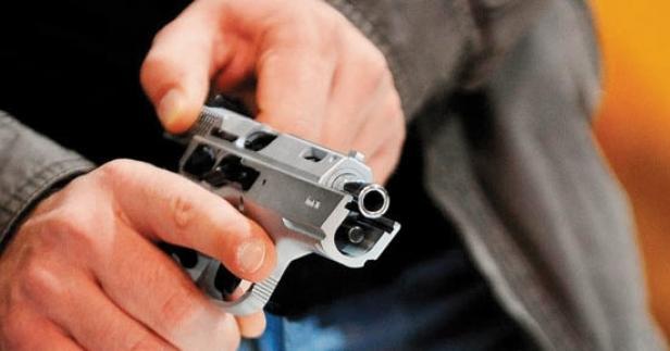 Çivril'de Gazinoda Silahlı Çatışma 1'i Ağır 3 Yaralı