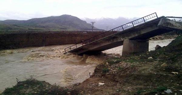 Çivril'de Köprü Sulara Dayanamadı