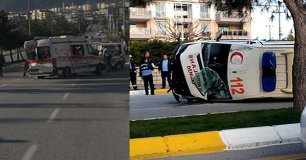 Ambulansla Minibüs Çarpıştı! 4 Yaralı