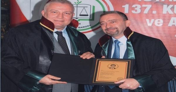 Pehlivanoğlu'na Avukatlık Mesleğinde 25.Yıl Plaketi