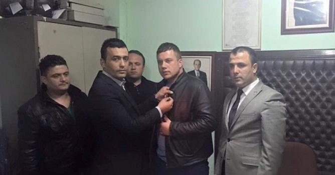 AKP'de İstifa Şoku...İstifa Edenler MHP'ye Geçti