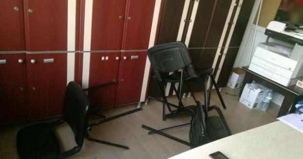 Denizli'de Aile Hekimine Hasta Yakınından Sandalyeli Saldırı