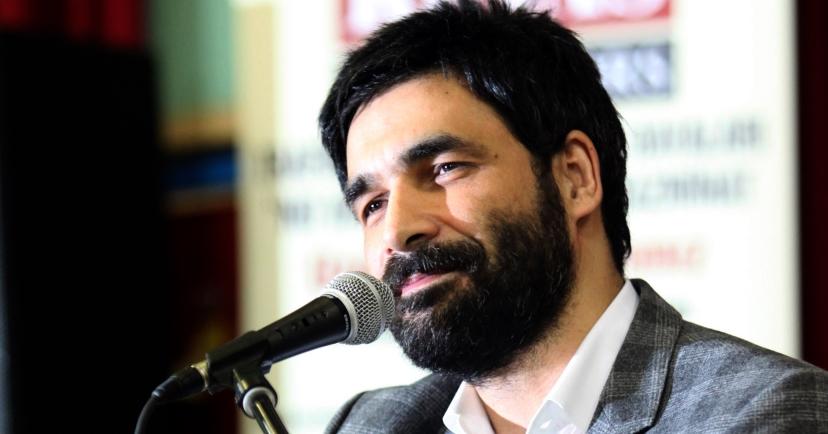 AKP'nin Şarkıcısı Işılak Partisinden Aday Oldu
