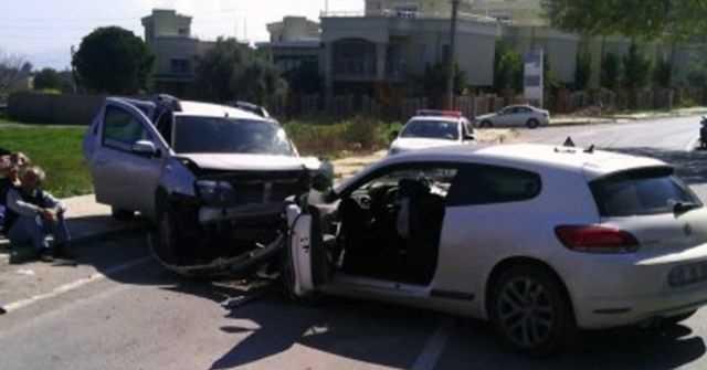 Denizli'de Trafik Kazası, 2 kişi  ağır 19 Yaralı