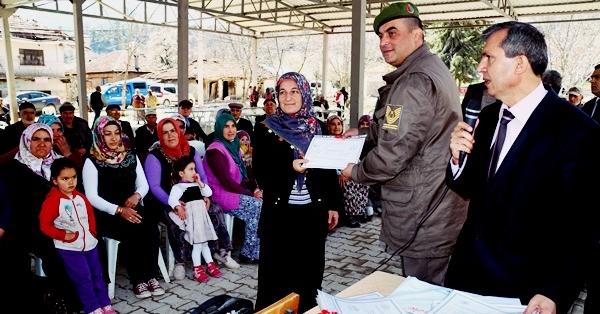 Serinhisar'da Başarılı Kursiyerlere Sertifika Verildi