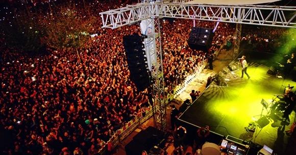 Büyükşehir Onbinleri Yalın Konserinde Buluşturdu
