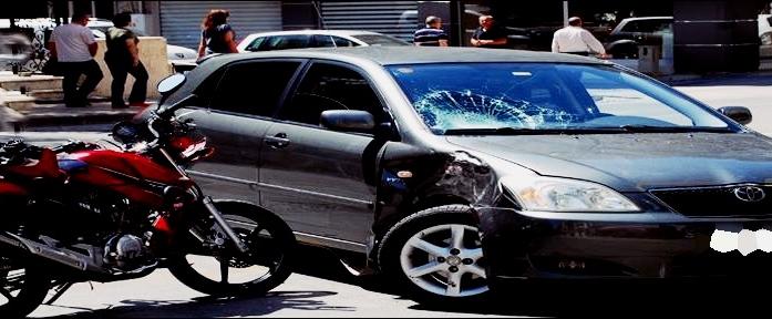 Denizli'de Taksiyle Motosiklet Çarpıştı: 2 Ağır Yaralı