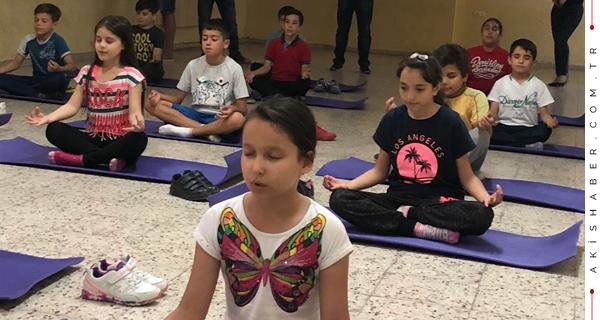 Minikler Yoga İle Tanıştı
