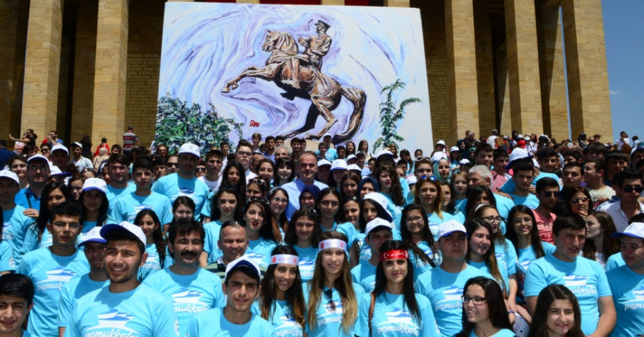 Pamukkale'nin 2000 Öğrenci İle Ankara Çıkarması