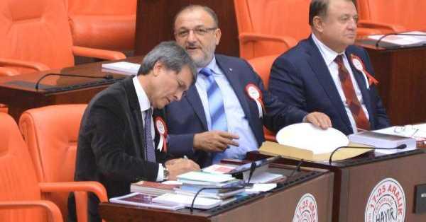 MHP'den Meclis Tarihine Geçen Protesto!