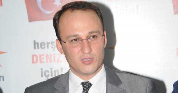 Avni Örki'den CHP'ye Pankart Tepkisi