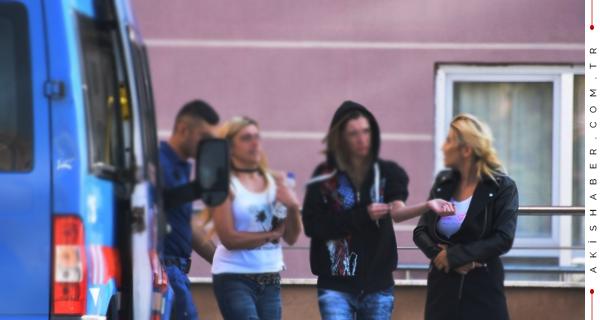 Eğlence Mekanında 13 Kadına Gözaltı