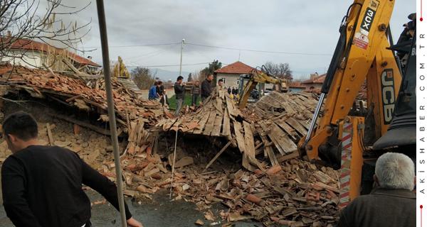 Acıpayam Depreminde 3 Kişi Yaralandı