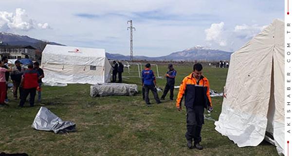 Acıpayam'da Çadırlar Kurulmaya Başlandı