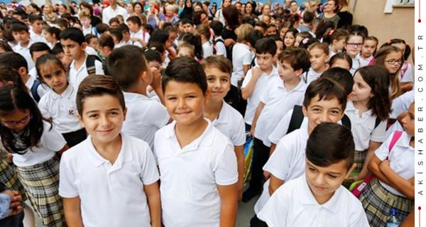 1 Nisan 2019 Pazartesi okullar üniversiteler tatil mi?
