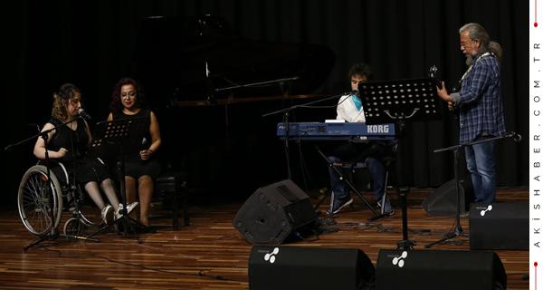 PAÜ'de Farklılıklara Dokunan Bir Konser