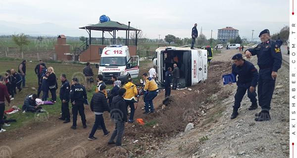 Acıpayam'da Öğrencileri taşıyan tur otobüsü devrildi