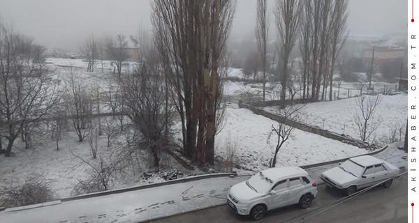 Nisan ayında Denizli'de 9 ilçeye kar sürprizi