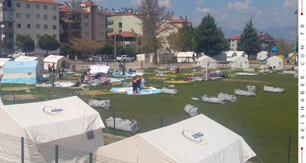 Acıpayam'da Çadırlar Toplanıyor