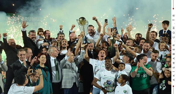 Denizlispor şampiyonluk kupasına kavuştu!