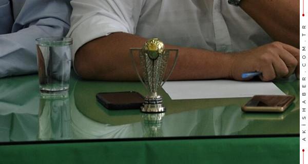 Denizlispor'un şampiyonluk kupası 1000 liradan satışta!