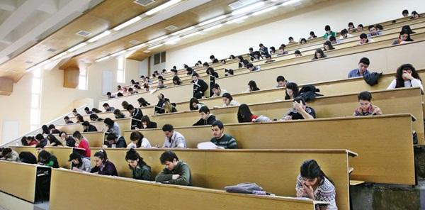 230 bin Suriyeli üniversiteye başvuracak!