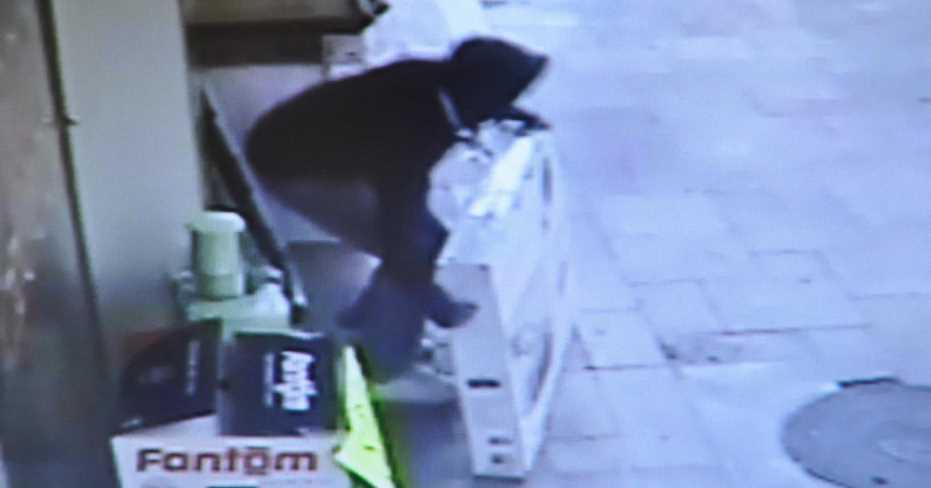 Güpegündüz Hırsızlık Yaptı Kameralara Böyle Yakalandı!