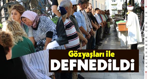 Antalya'da Kalp Krizinden Ölen Kadın Defnedildi