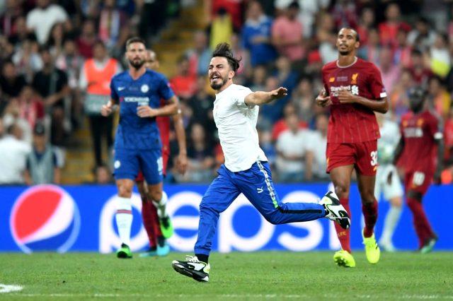 Liverpool Chelsea maçında sahaya giren Deli mi ne kimdir?